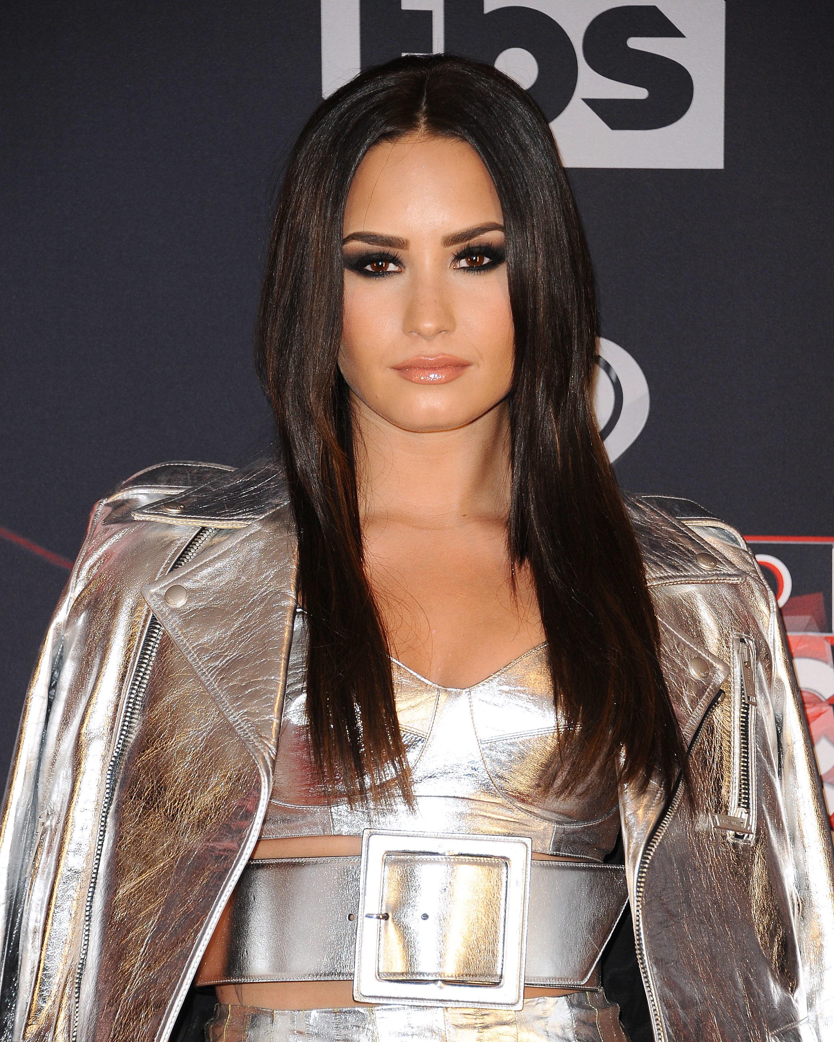 10 Best Beauty Secrets Inspired By Demi Lovato