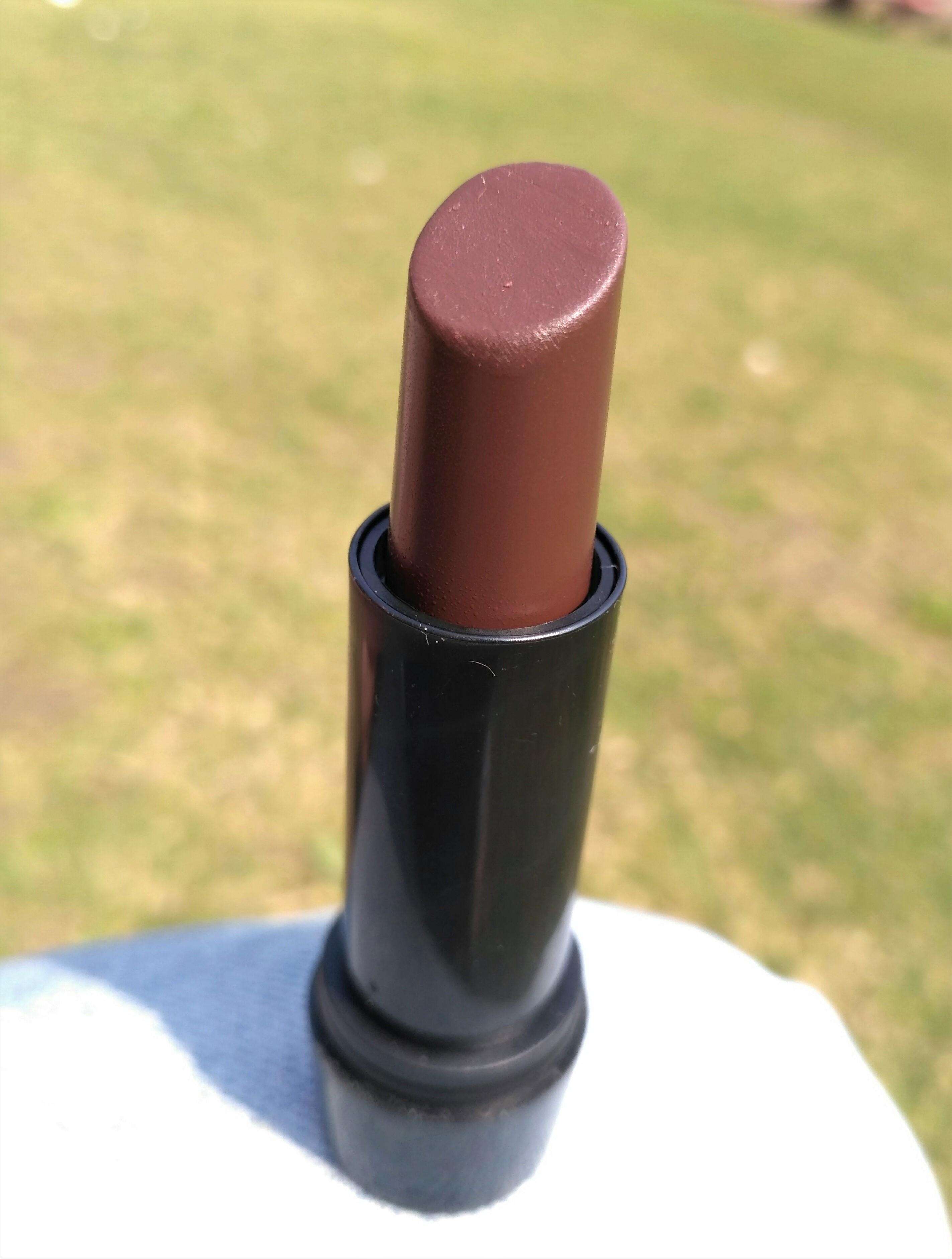 Elle 18 Color Pops Matte Lipstick Belgian Brown Review