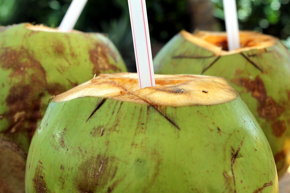 11 Awesome Ways How Coconut Water Benefits Your Skin