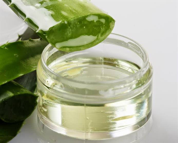 Treat Makeup Allergy with Aloe Vera