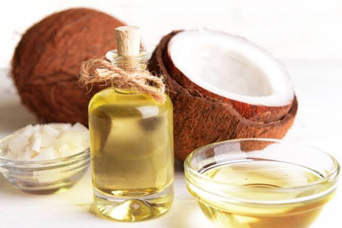 Treat Makeup Allergy with coconut oil