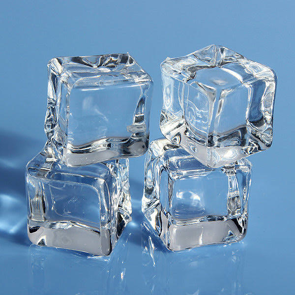 Treat Makeup Allergy with ice cubes