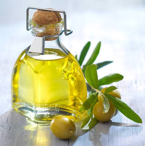 Treat Makeup Allergy with olive oil