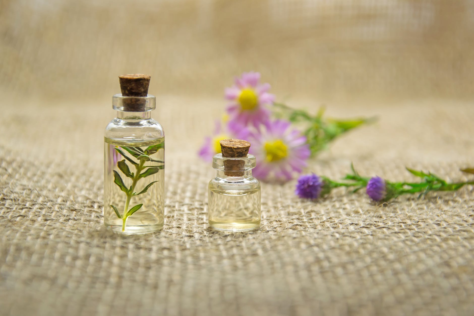 6 Effective Essential Oils for Acne Scars