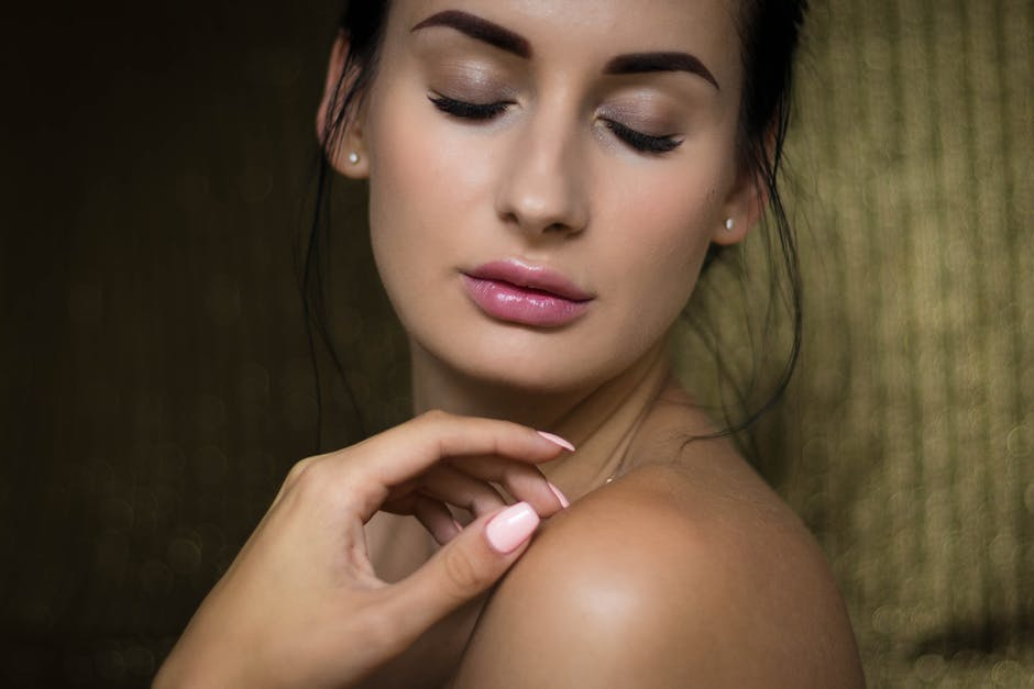 Why You Should Include Rosehip Oil in Your Beauty Regimen