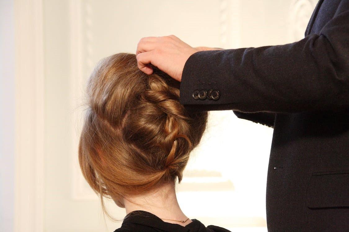 independent hair stylist
