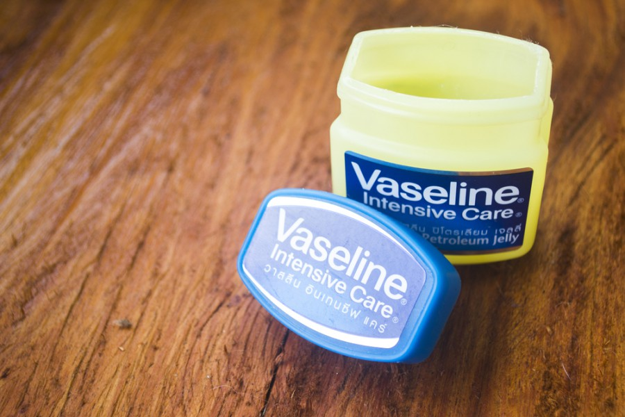 is vaseline good for your face