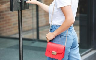Buying Guide for Luxury Handbags