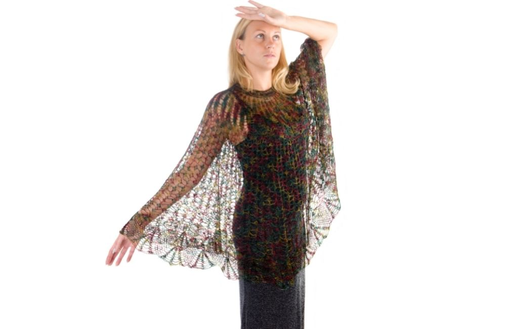 how to wear a poncho in summer