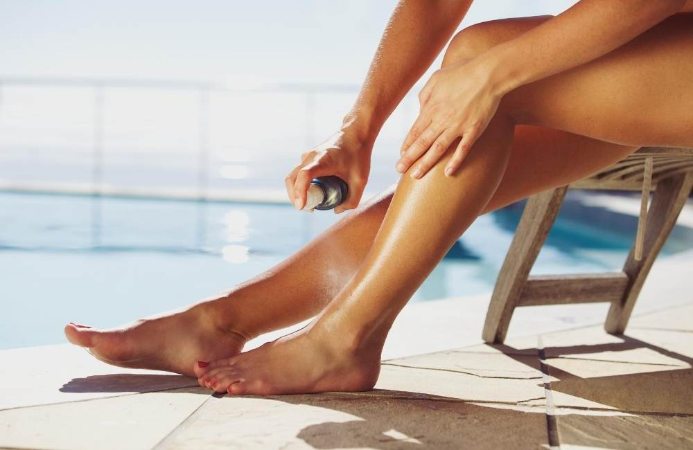 How to Remove Spray Tan from Hands and Feet
