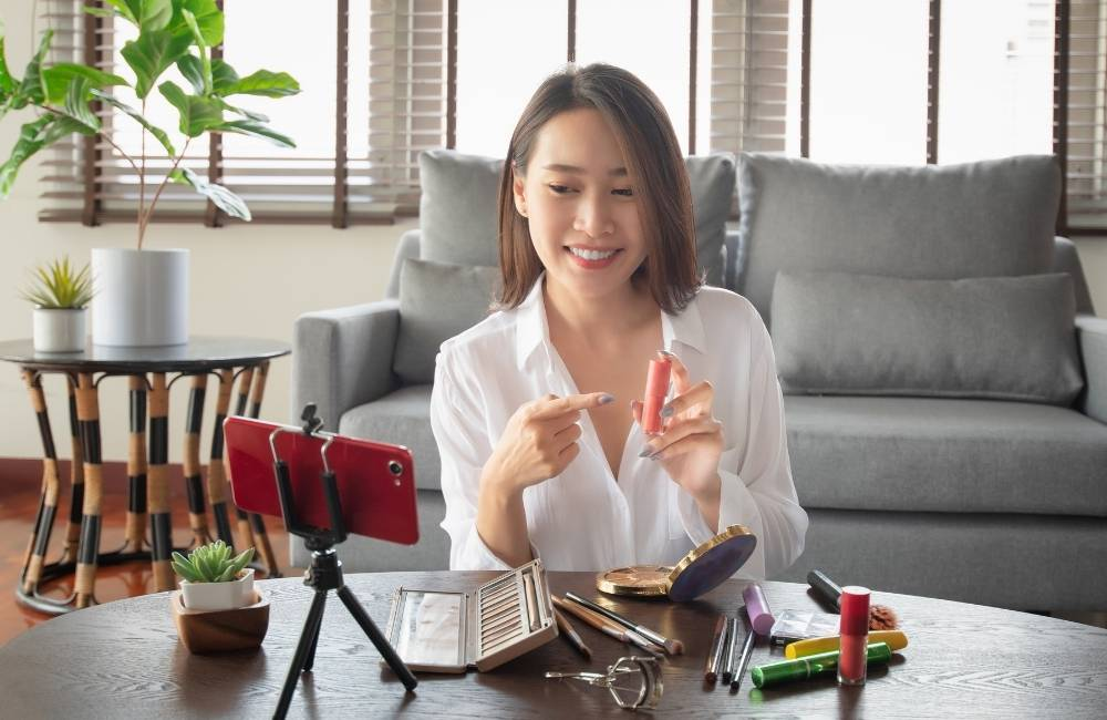 Tips on Becoming a Successful Beauty Influencer