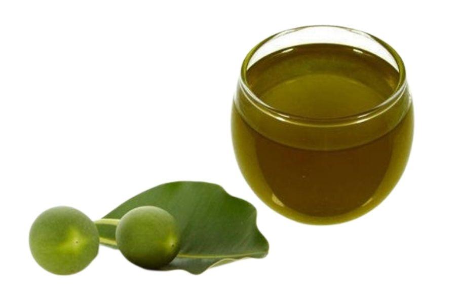 Tamanu oil for skin