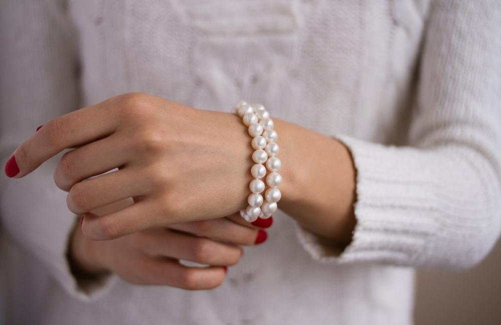 pearl bracelet - wrist candy for summer