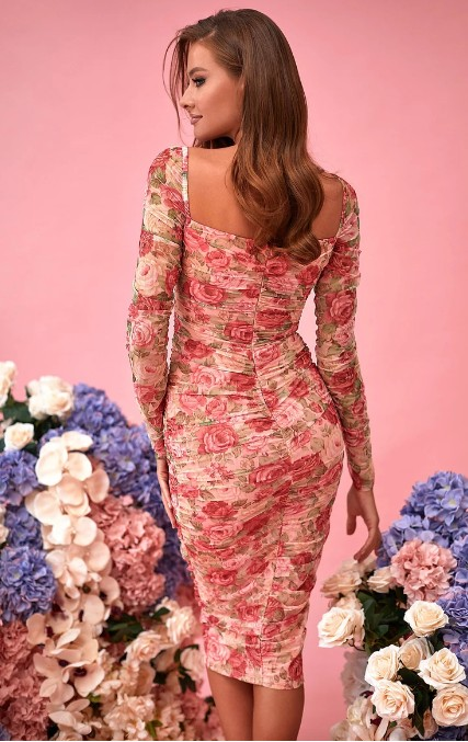 look fab in tight and fitted dresses